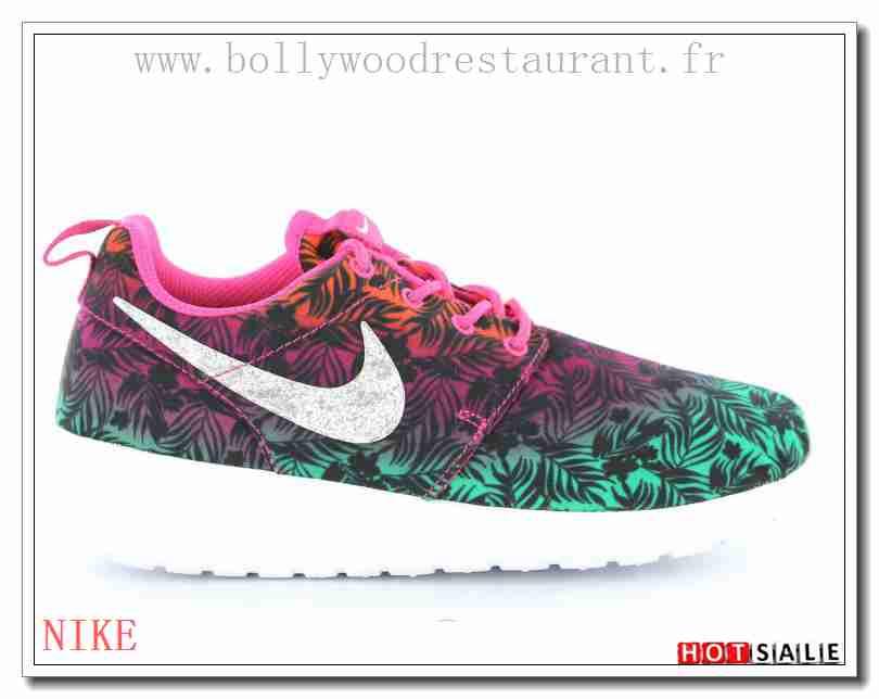 IW4151 Un Beau Travail 2018 Nouveau style Nike Roshe Run Femme