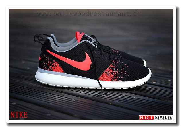 promo code d1782 367a9 Choisissez Confort Nike Roshe Run Femme Trainer Pas Cher Thomasboutique  OIO185424333