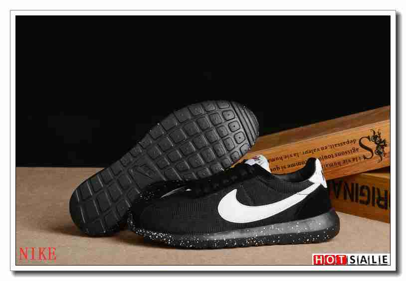 new styles 2eed7 659fd LN0112 Boutique authentique 2018 Nouveau style Nike Roshe Run - Femme  Chaussures - Soldes Pas Cher - H.K.Y. 543 - Taille   36~39